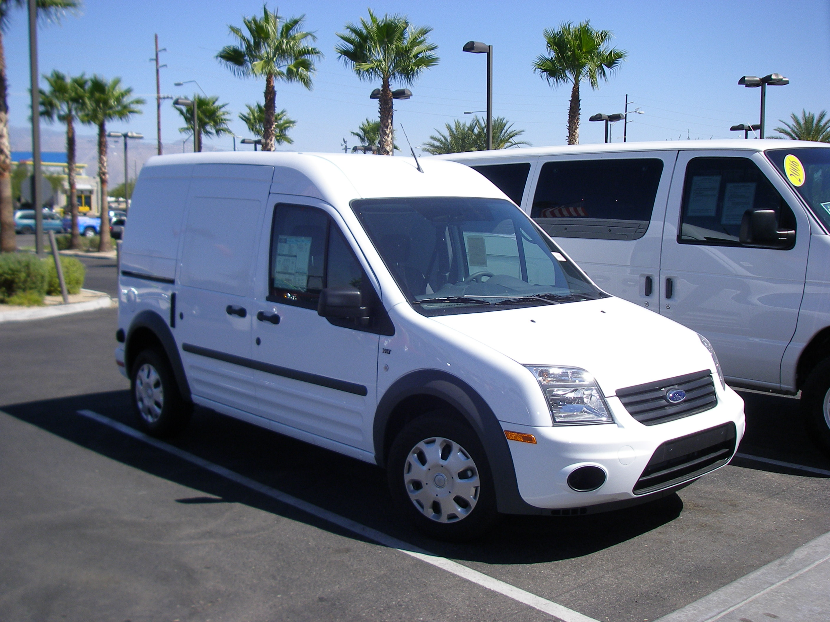 Ford Transit Connect Wikipedia >> File:Ford Transit Connect 2010.jpg - Wikimedia Commons
