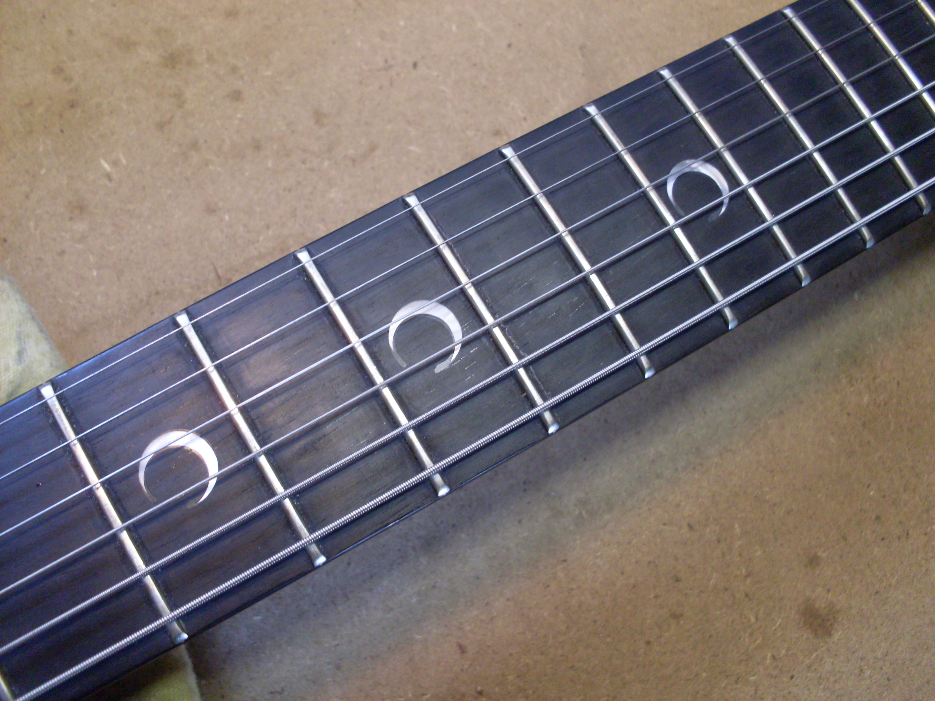 File:Gibson SG Special Faded with Crescent Inlays jpg - Wikimedia