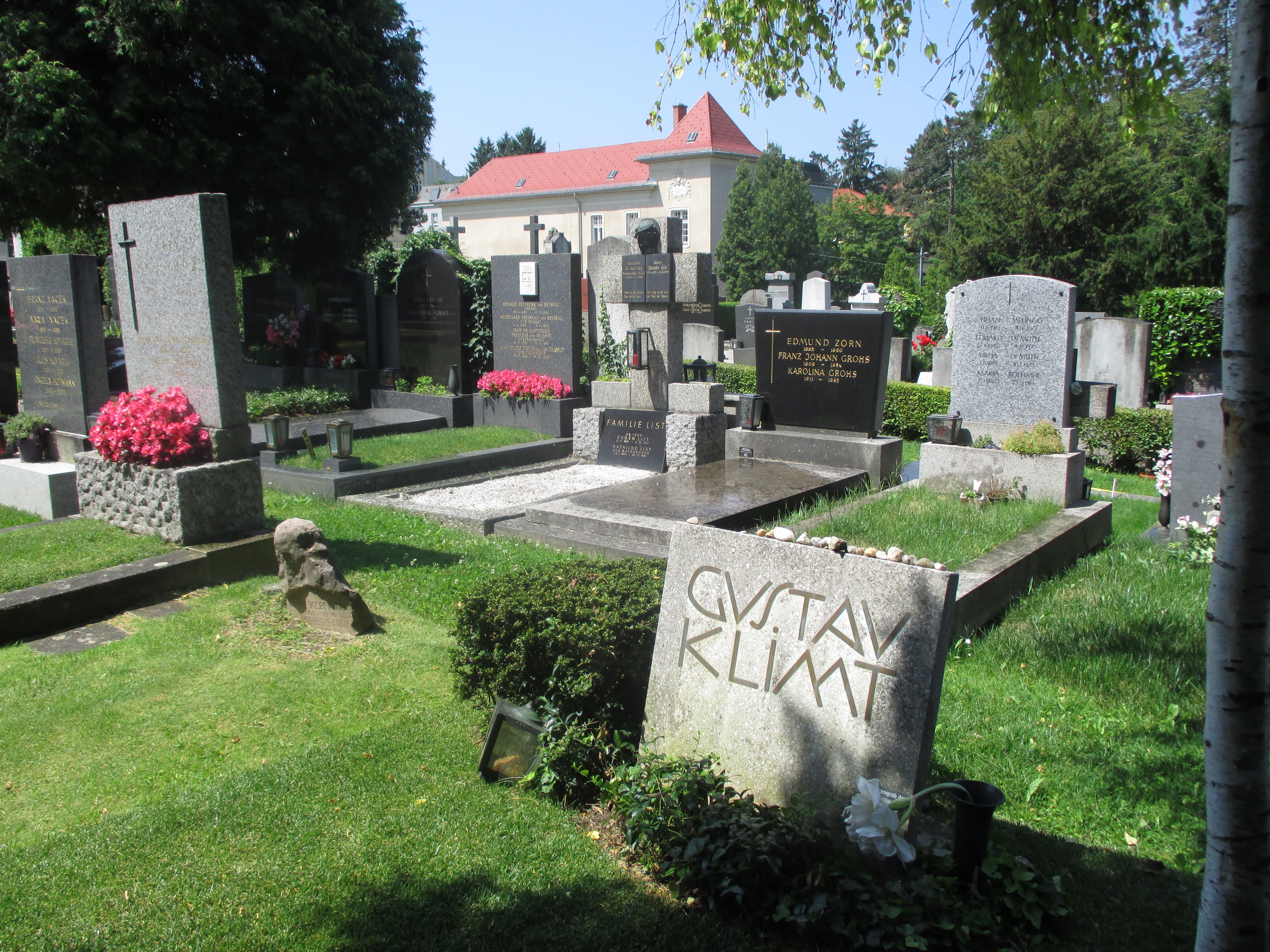 Gustav klimt wikipedia klimts grab auf dem friedhof hietzing standort4817816299527777778 fandeluxe Image collections