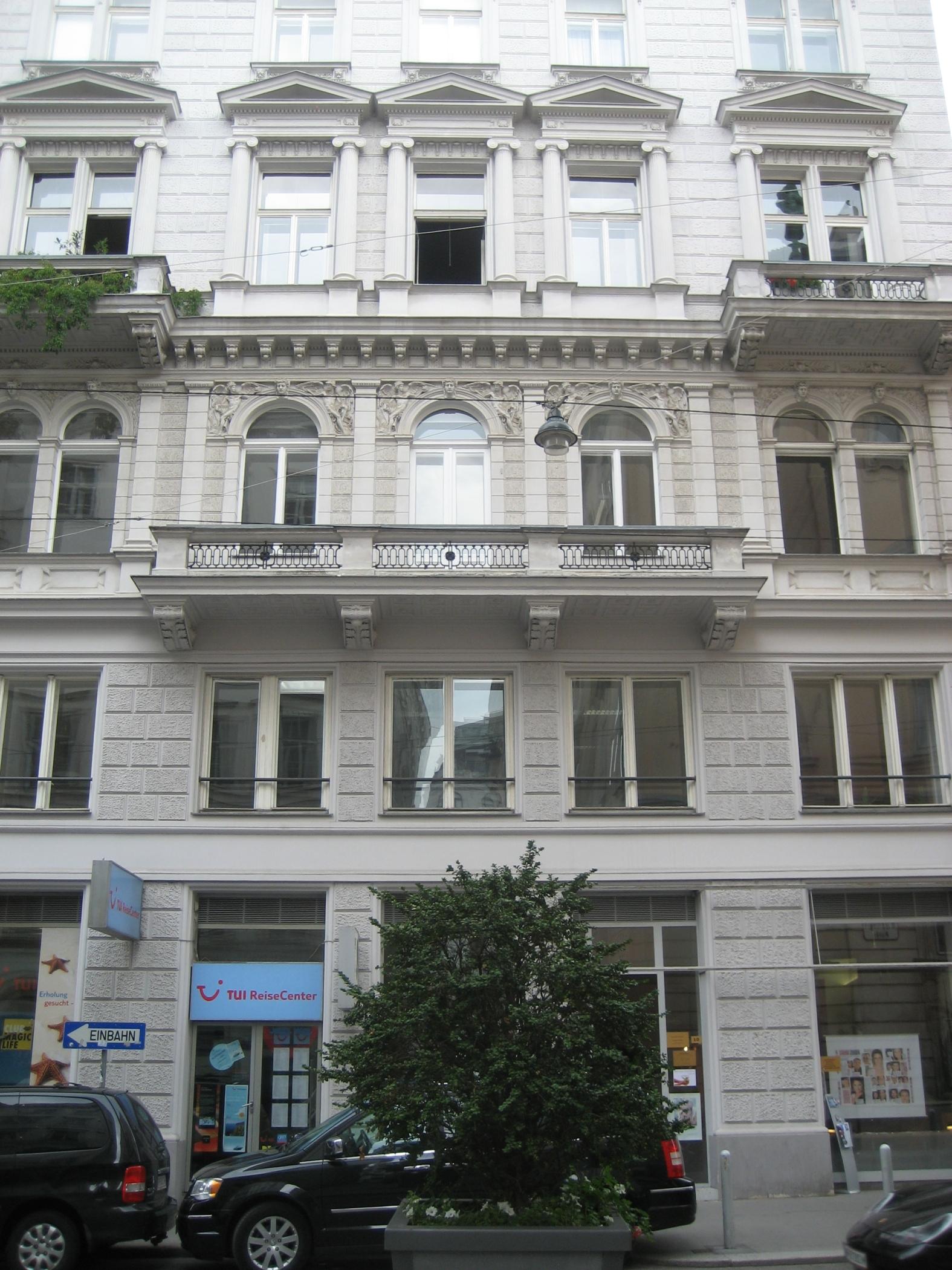 Haus-Wipplingerstraße 10-01.jpg