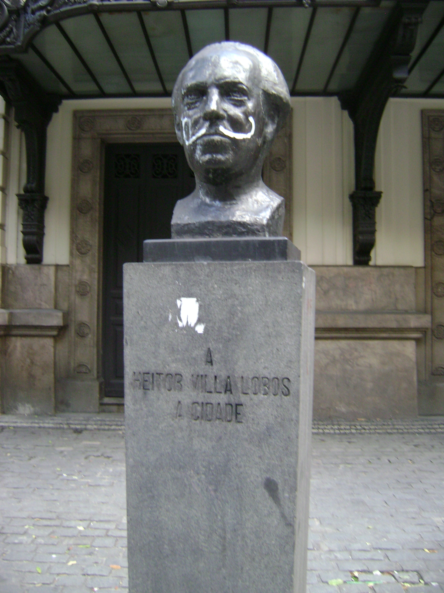 Monumento a Heitor Villa-Lobos en Rio de Janeiro.