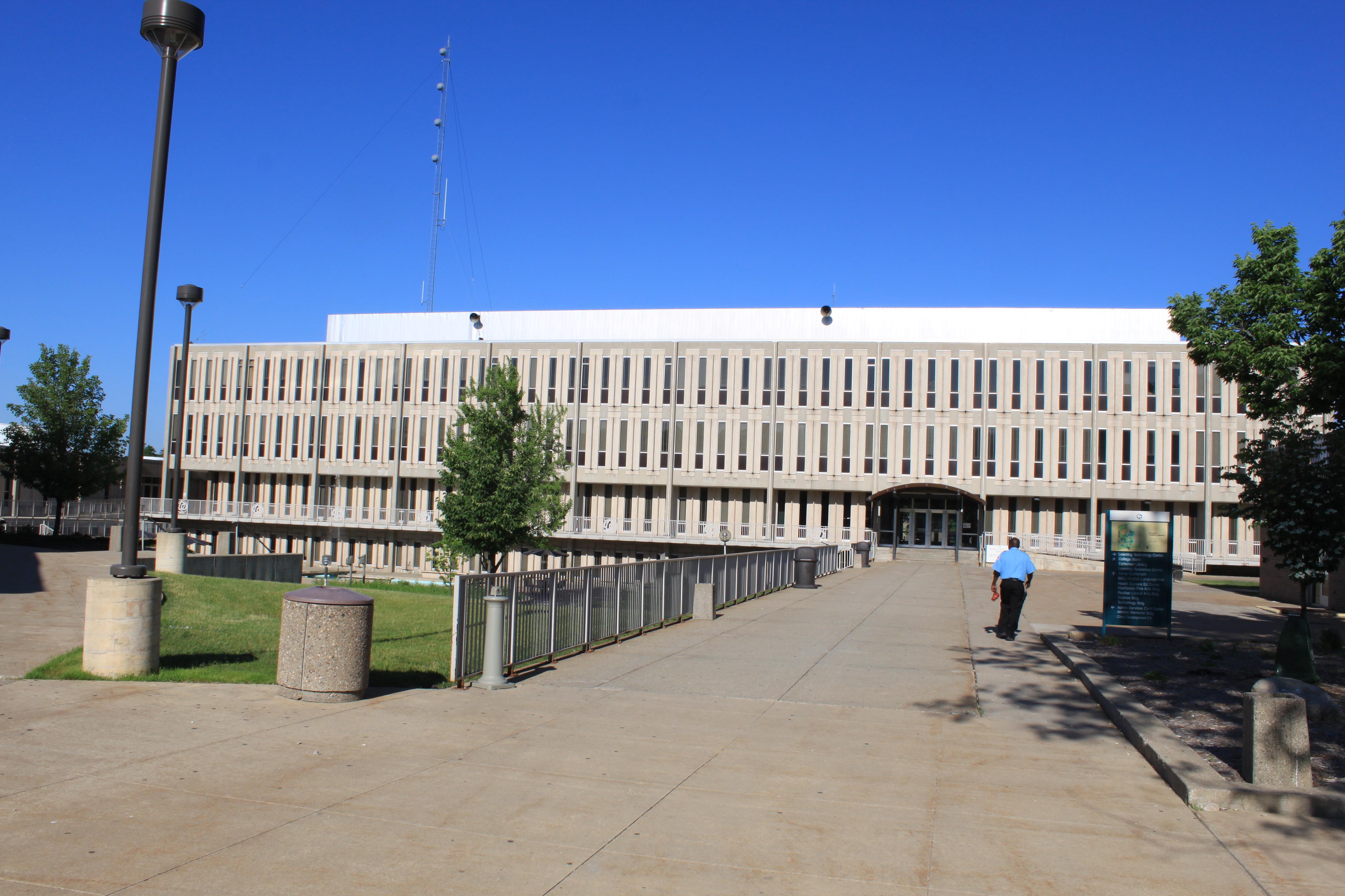 Henry Ford Academy Alameda School For Art Design San Antonio