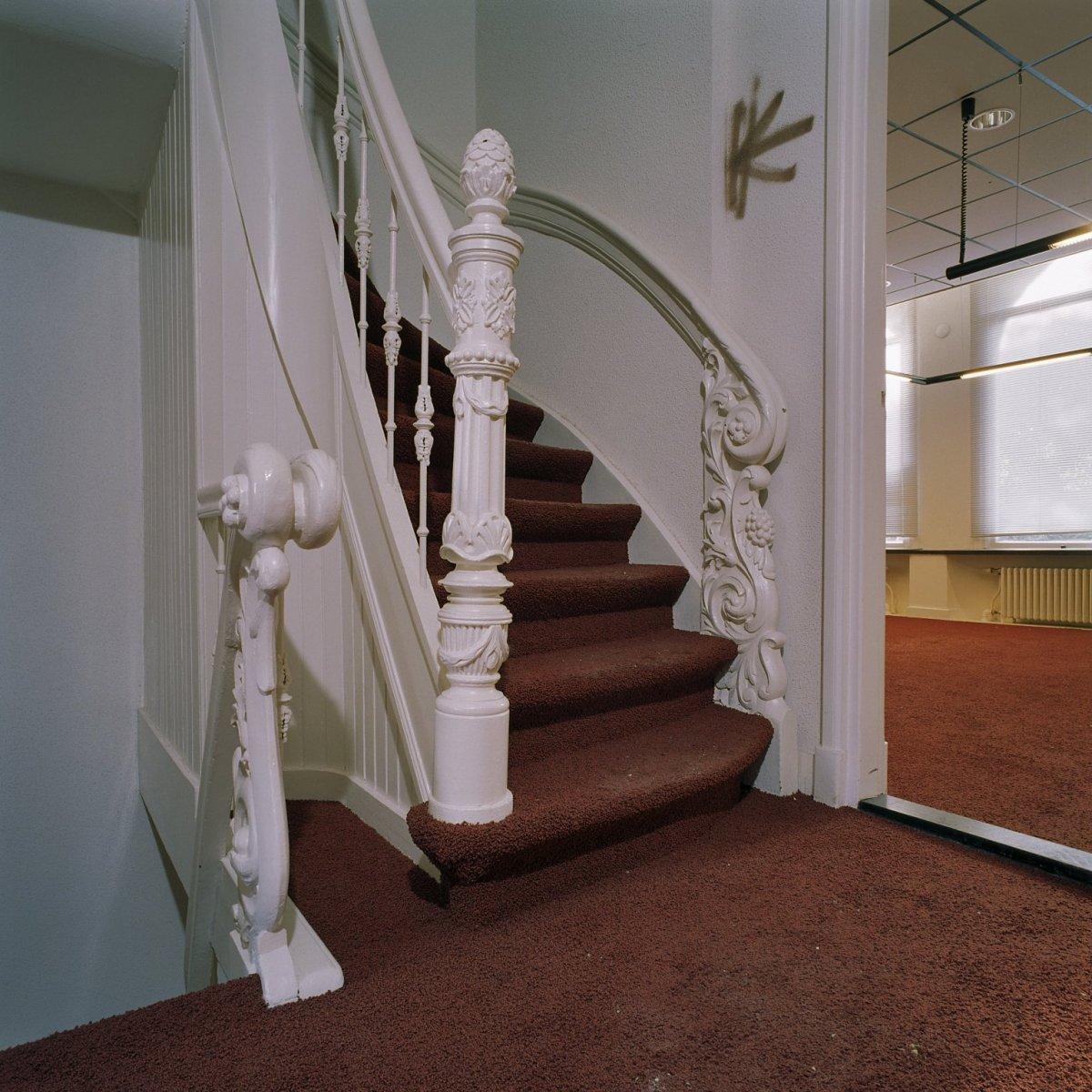 File interieur begane grond hal trap ornamenten van nummer 77 groningen 20359895 - Model interieur trap ...
