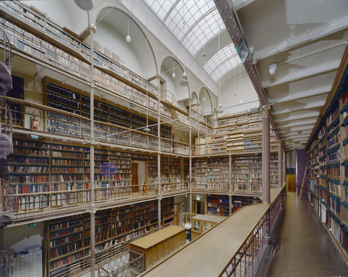 File interieur overzicht bibliotheekzaal amsterdam for Interieur amsterdam