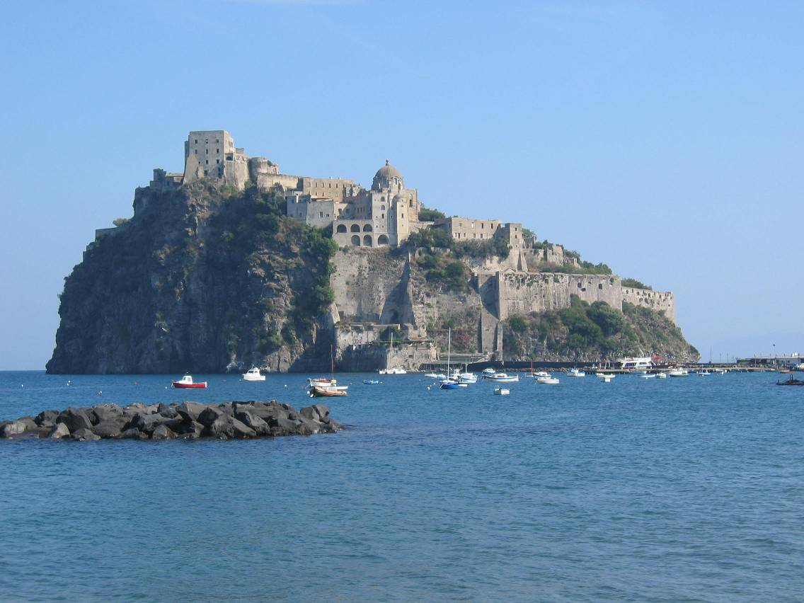 Ischia travel guide at wikivoyage for Be italia