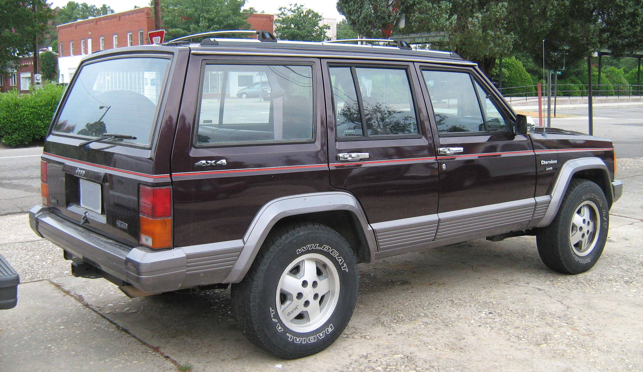 File Jeep Cherokee XJ 4D Laredo burgundy SOP rr on 1995 jeep cherokee interior