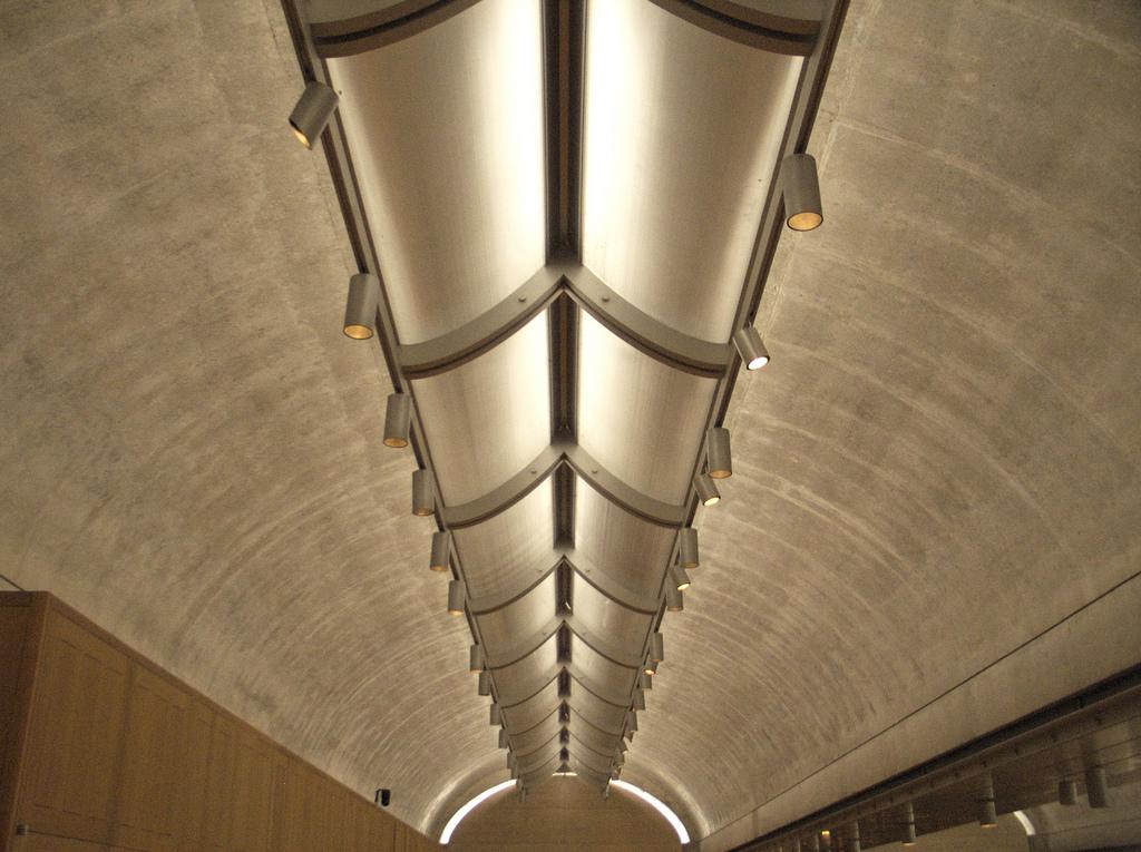 Description Kimbell Art Museum vault and light reflector jpgKimbell Art Museum Light