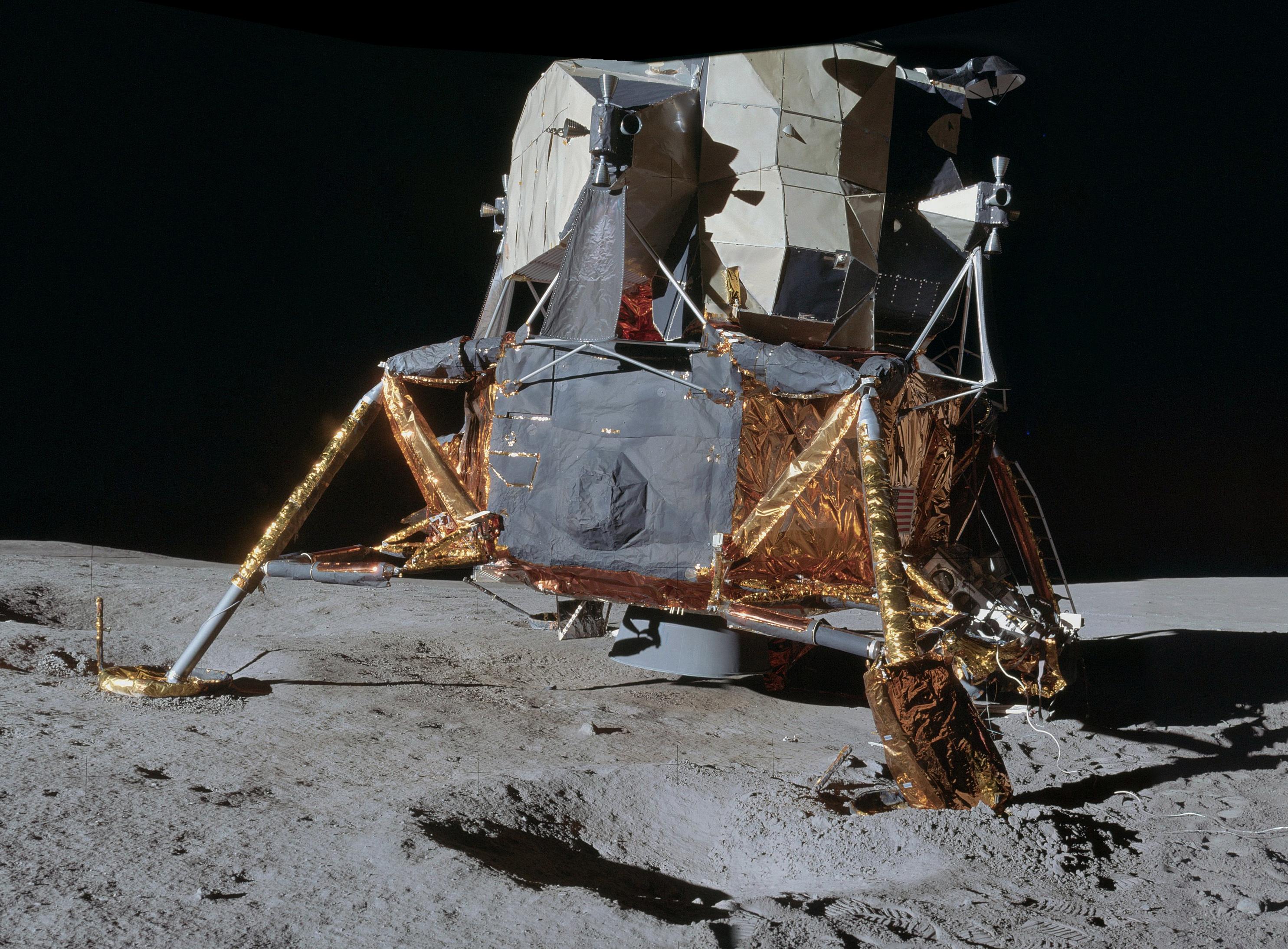 parachute module moon landing - photo #22