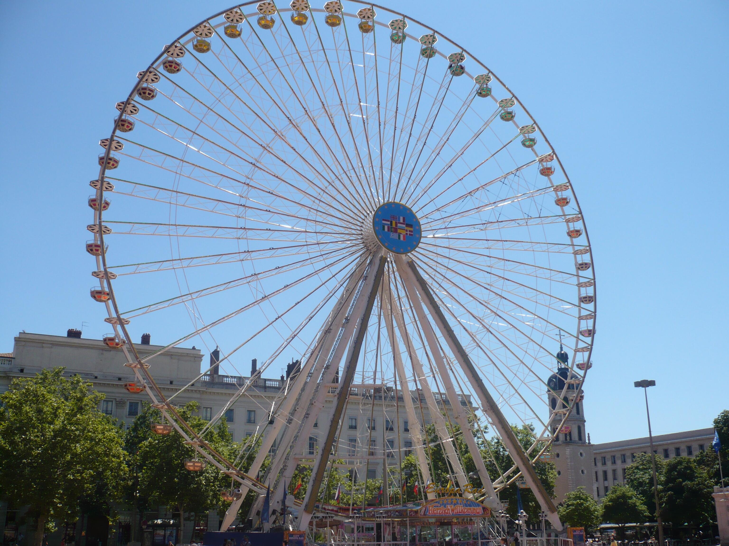 Discussion sur l'étoile du 7 septembre  2019 La_grande_roue_de_Lyon