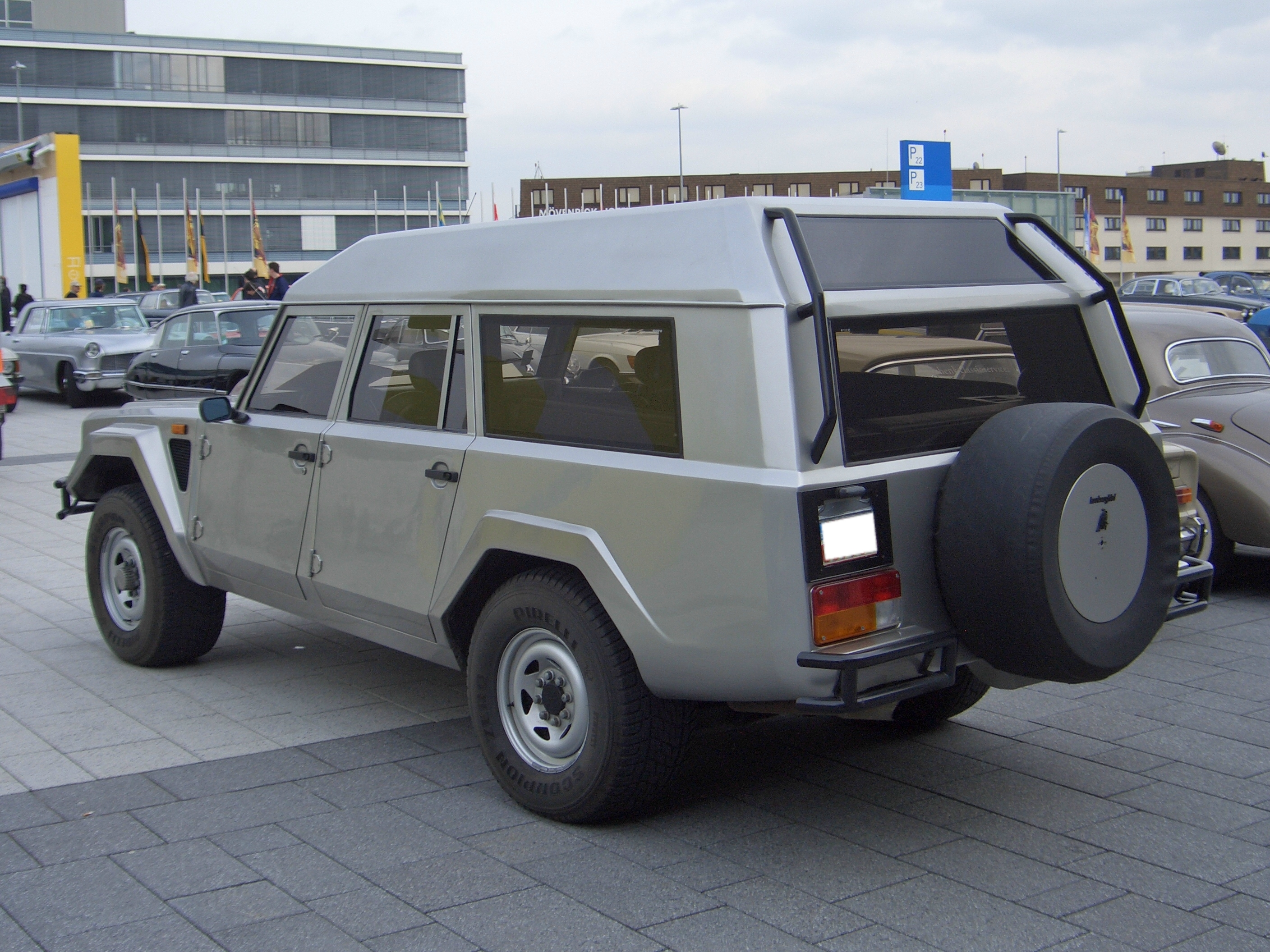 File Lamborghini Lm002 Brunei 1989 Backleft 2009 03 14 U