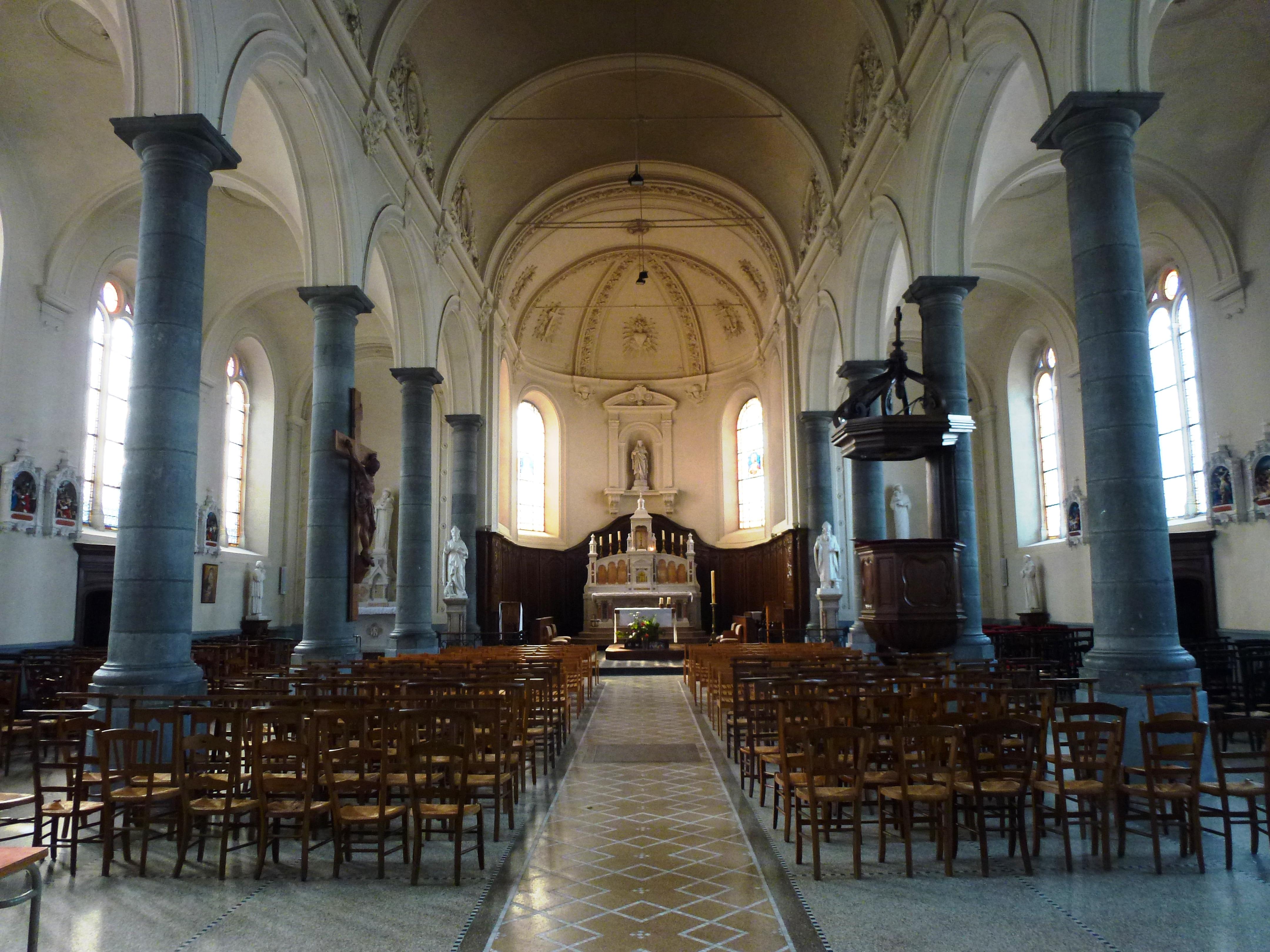 File landas nord fr glise int rieur jpg wikimedia for Interieur eglise