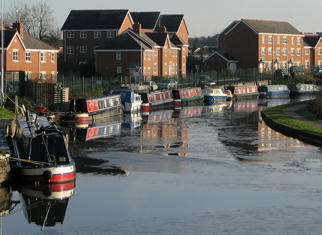 Leeds - Liverpool Canal at Appley Bridge - geograph.org.uk - 638691