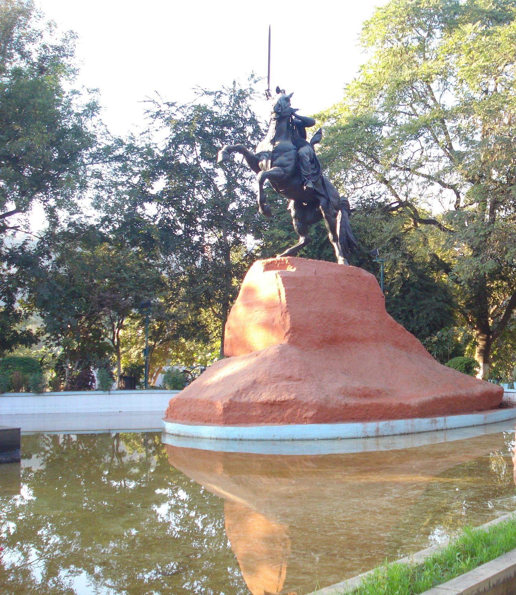 file maharani laxmi bai tomb gwalior panoramio