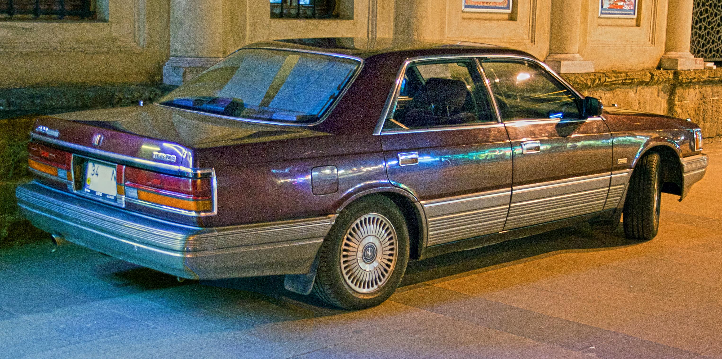 Mazda_929_3.0i_Royal_Classic_Hardtop.jpg