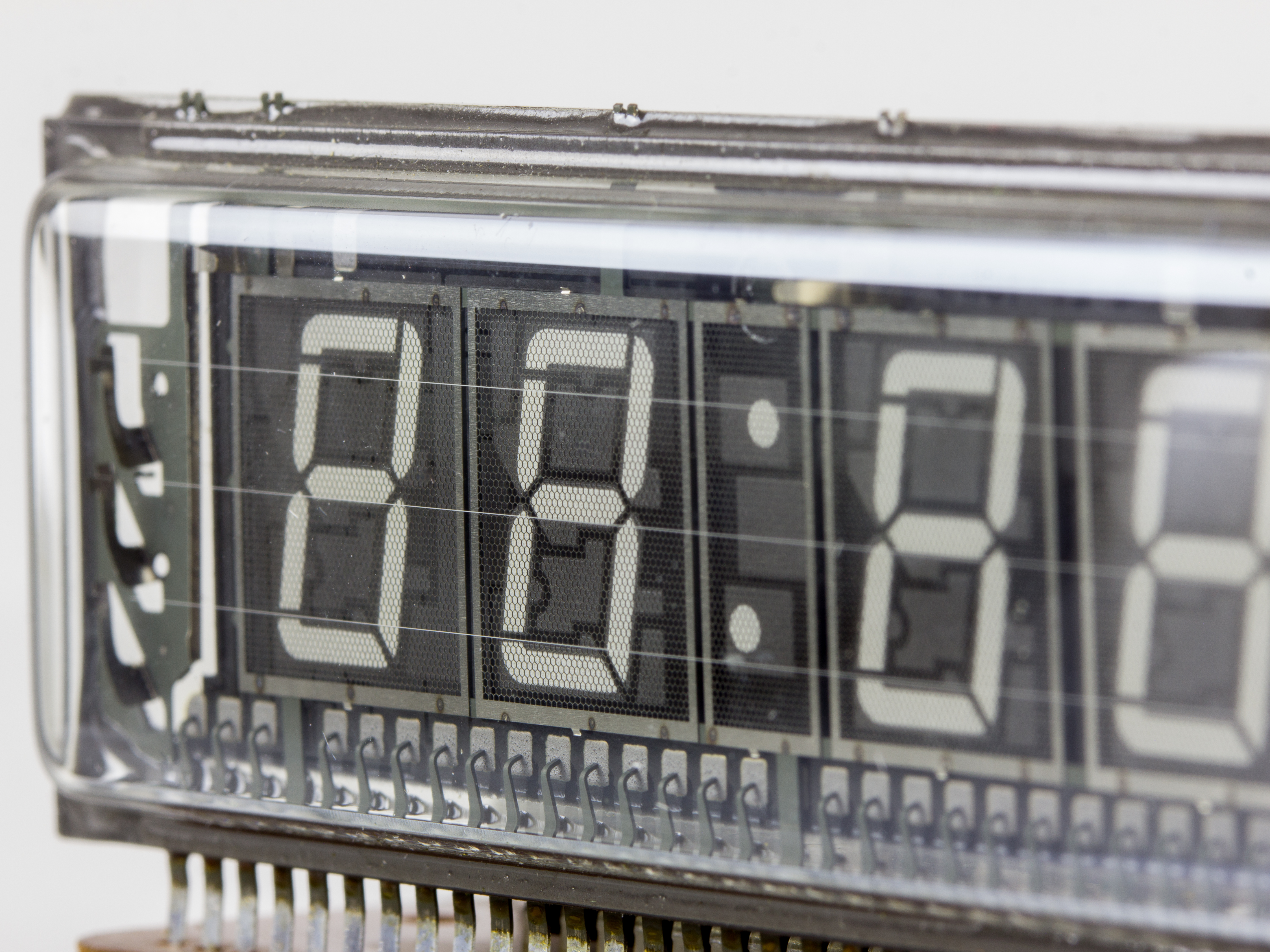 File:Meister-Anker Electronic Digital Uhr - Futaba vacuum fluorescent  display-2184.