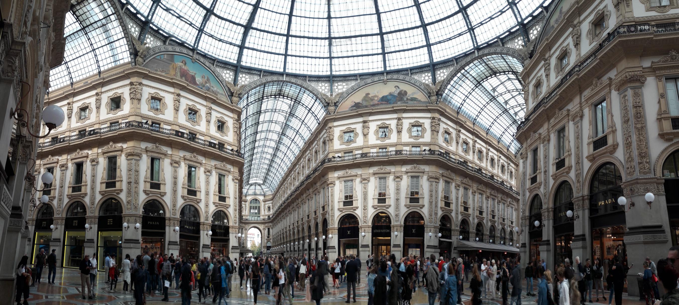 Milano - Galleria Vittorio Emanuele II Interior panorama - 29 Sep 2017.jpg