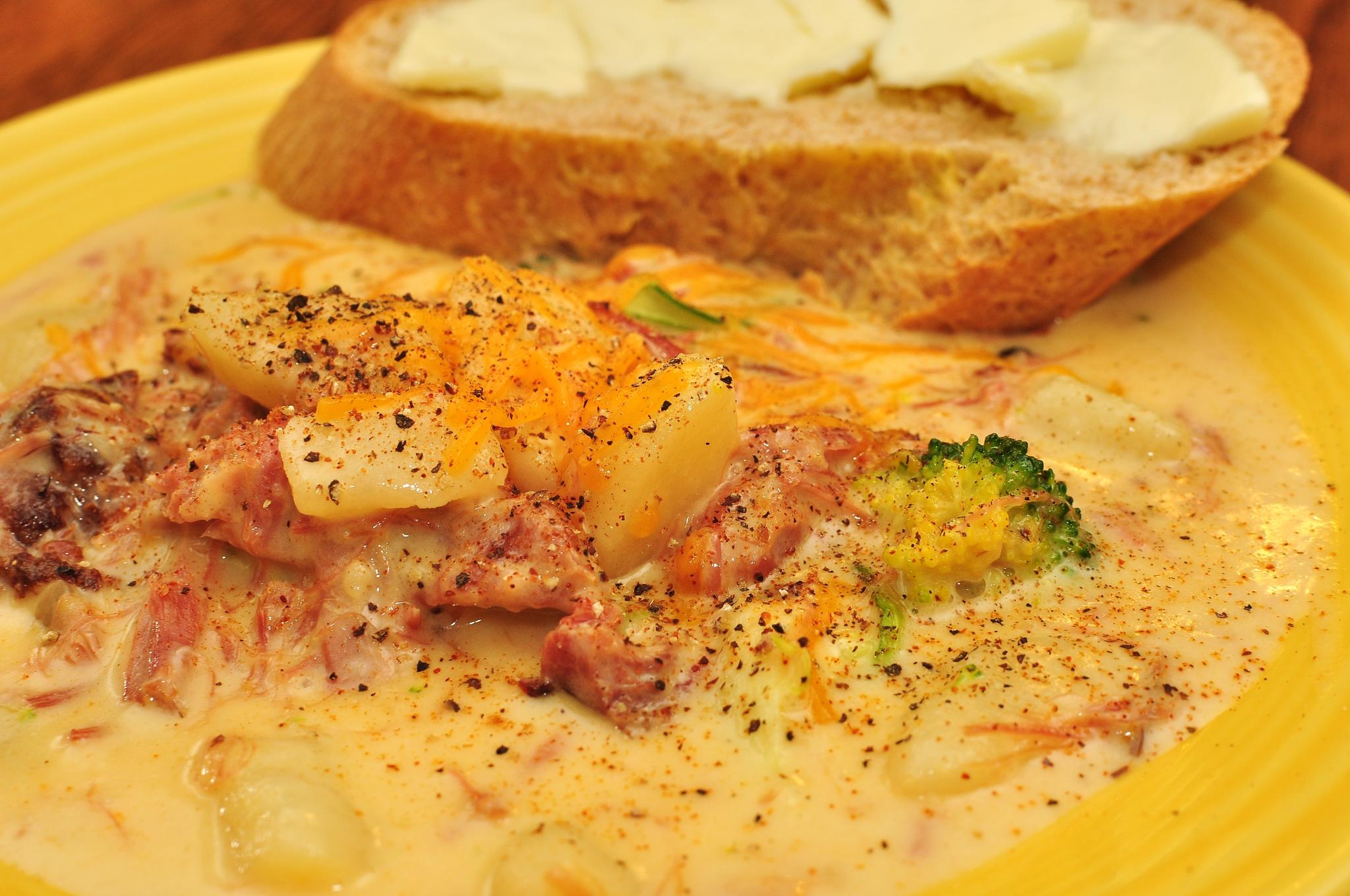 File:Mmm... cheesy potato soup (6846314201).jpg - Wikimedia Commons