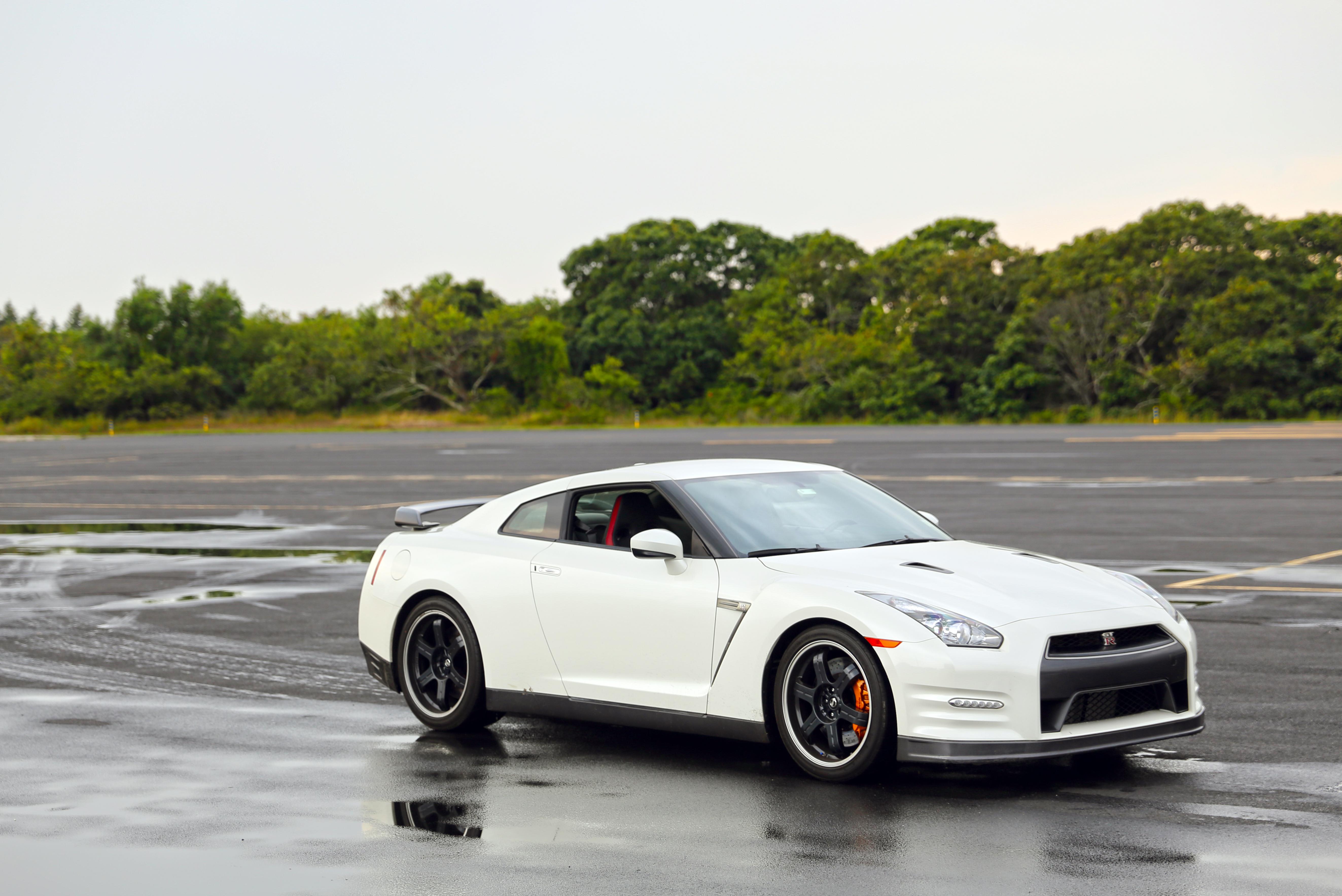 File:Nissan GT-R 20090531 rear.JPG