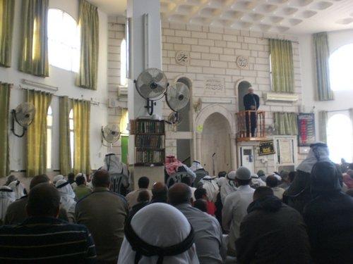 תפילה יום שישי במסגד השלום ברהט