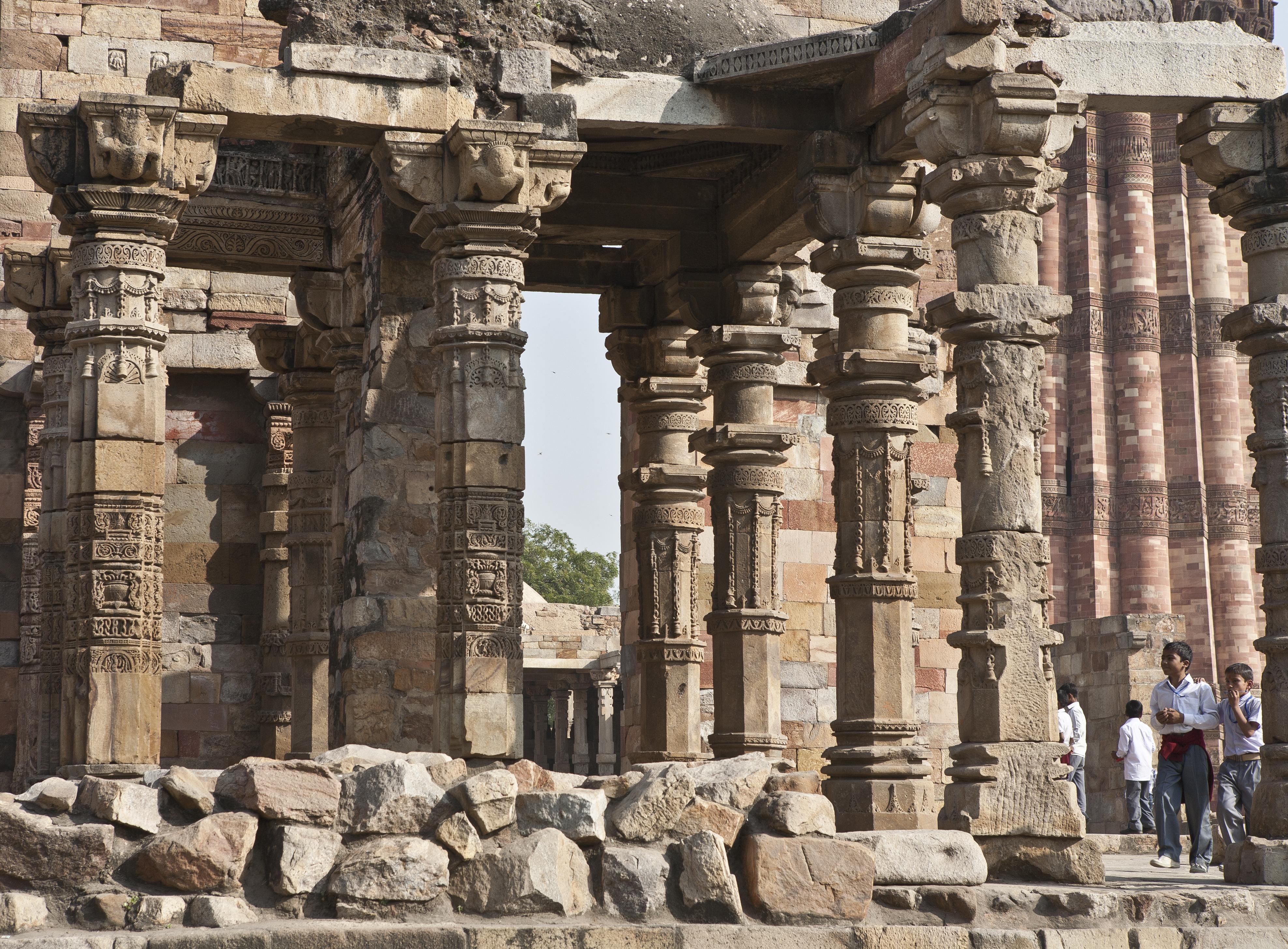 Qutub Minar Complex, New Delhi: History, Guide & Trip Planner 2020 4