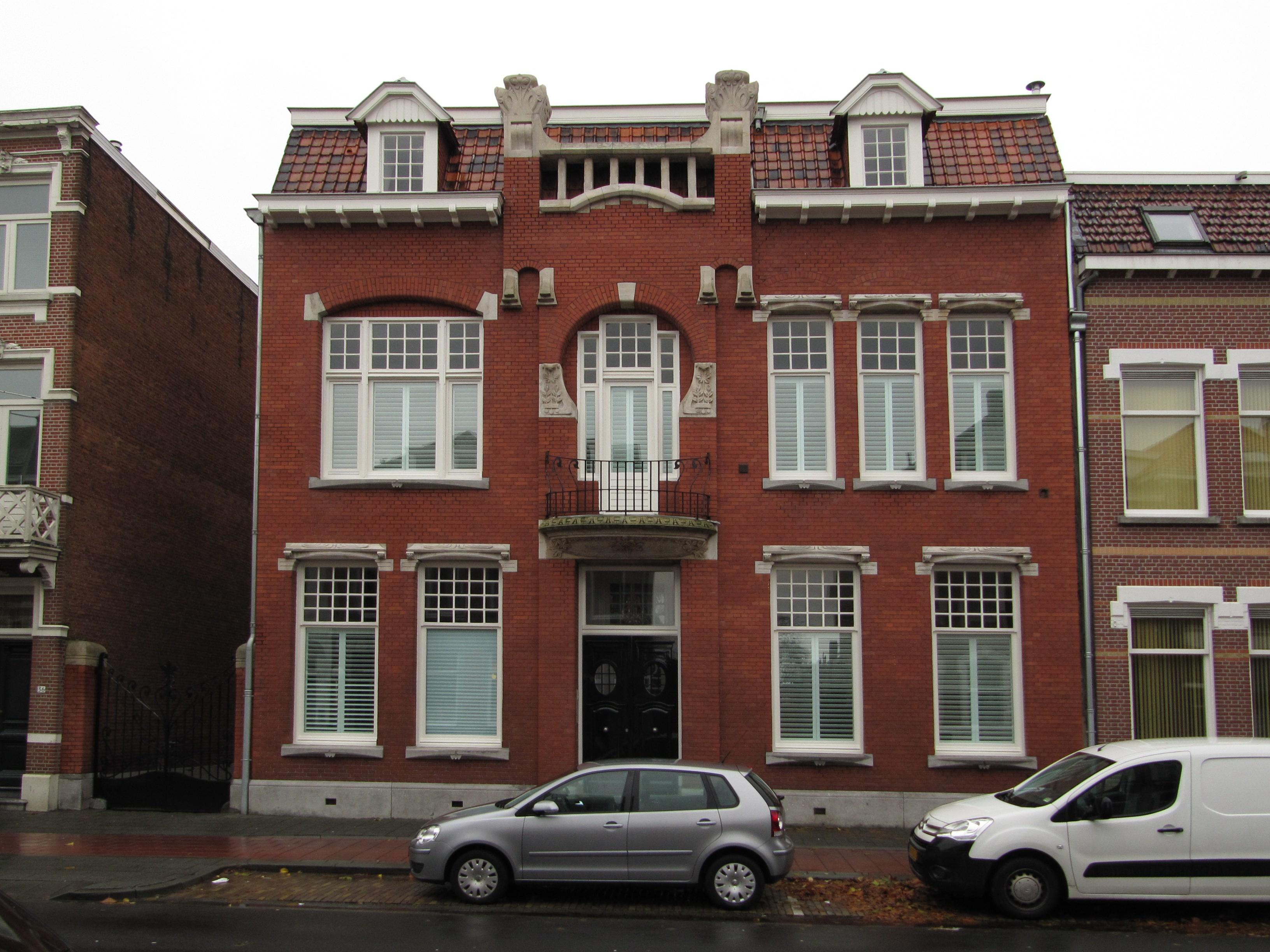 Gedeeltelijk vrijstaand art nouveau herenhuis in bergen op zoom monument - Deco huizen ...