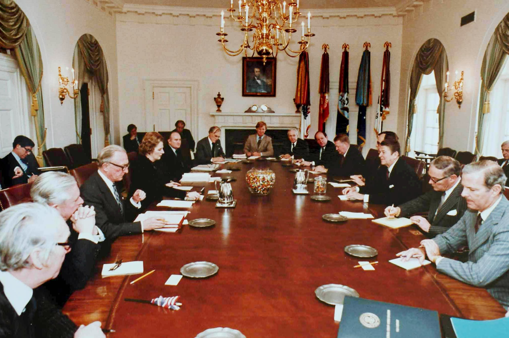 File:Reagan-Thatcher cabinet talks.jpg - Wikimedia Commons