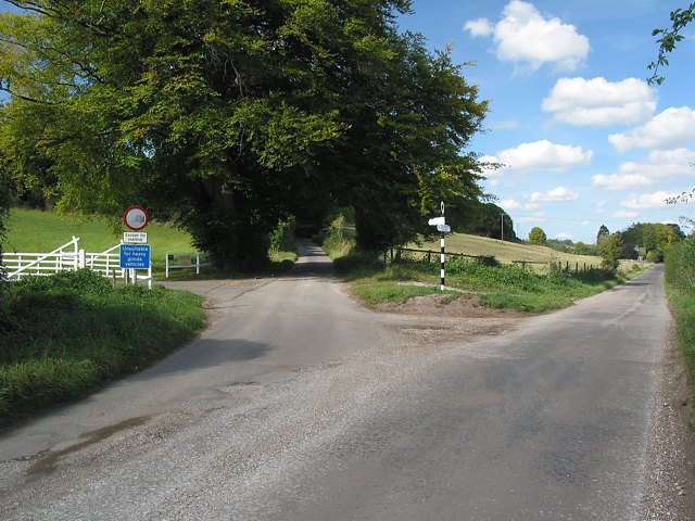 File:Road junction north of Upham - geograph.org.uk - 57153.jpg
