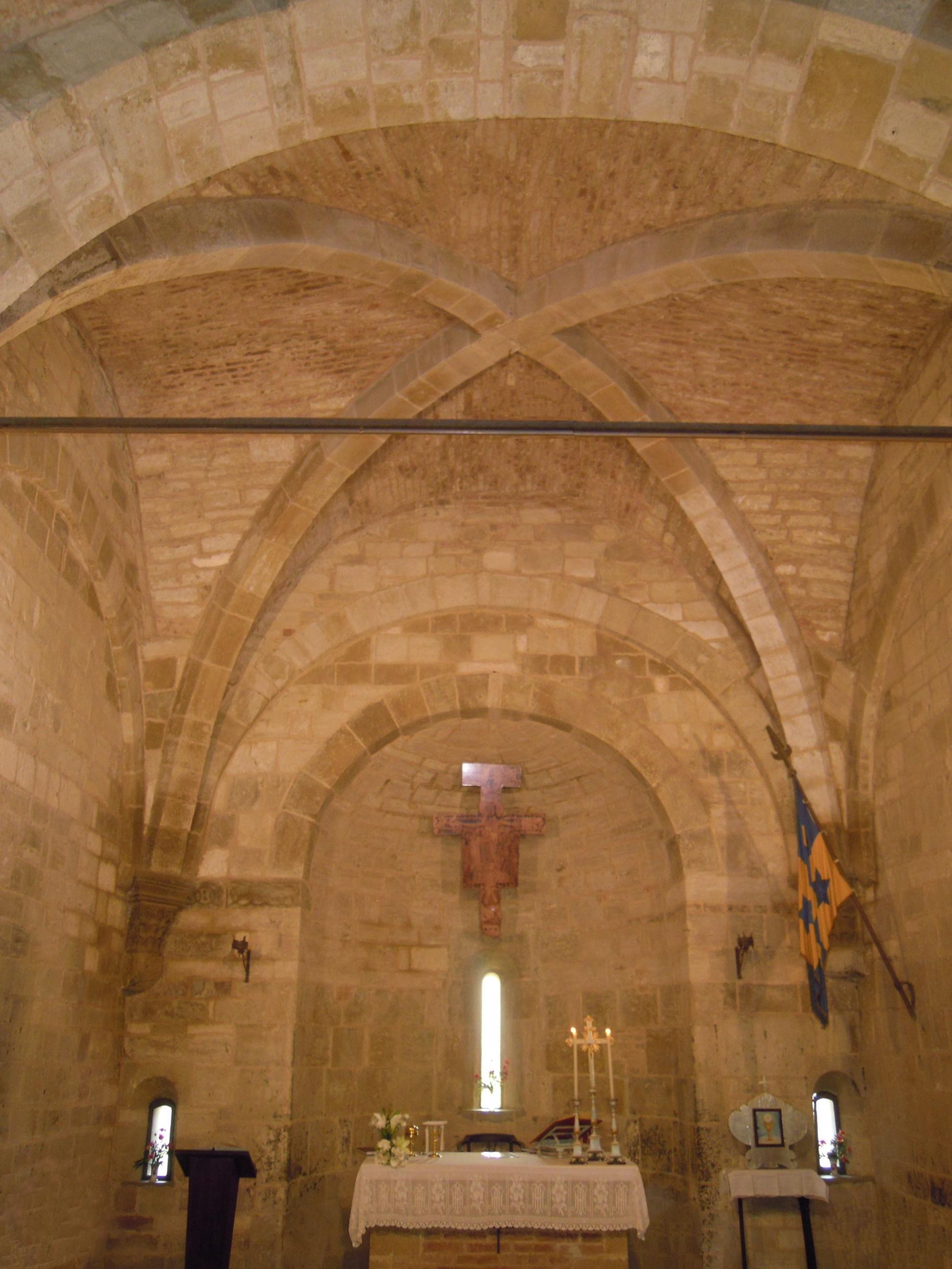 San Giovanni d'Asso, chiesa di San Pietro in Villore, interno.jpg