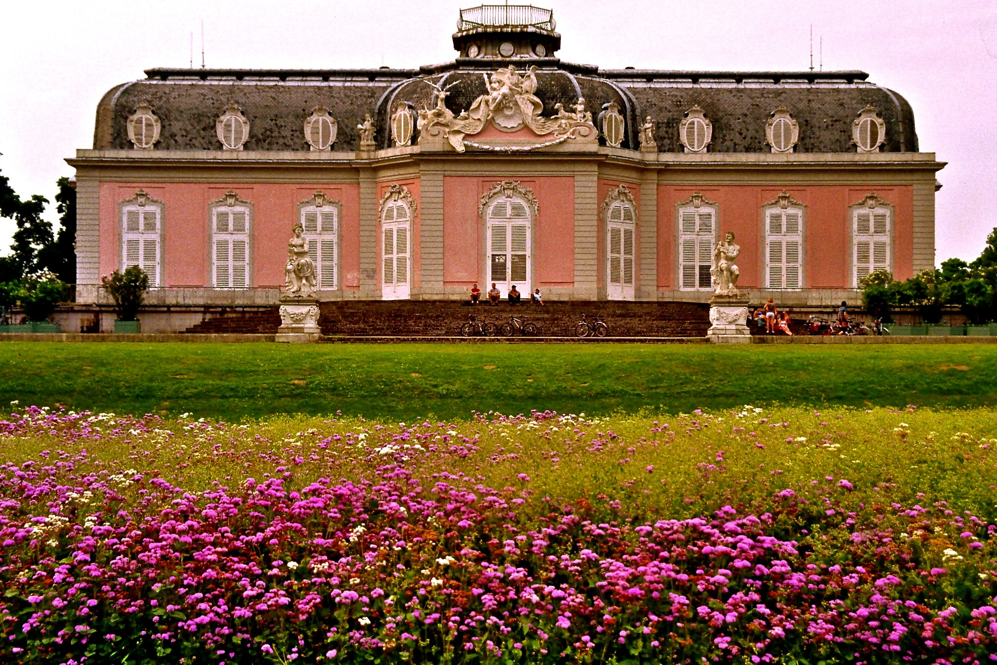 The facade of Schloss Benrath one of the best things to do in Düsseldorf