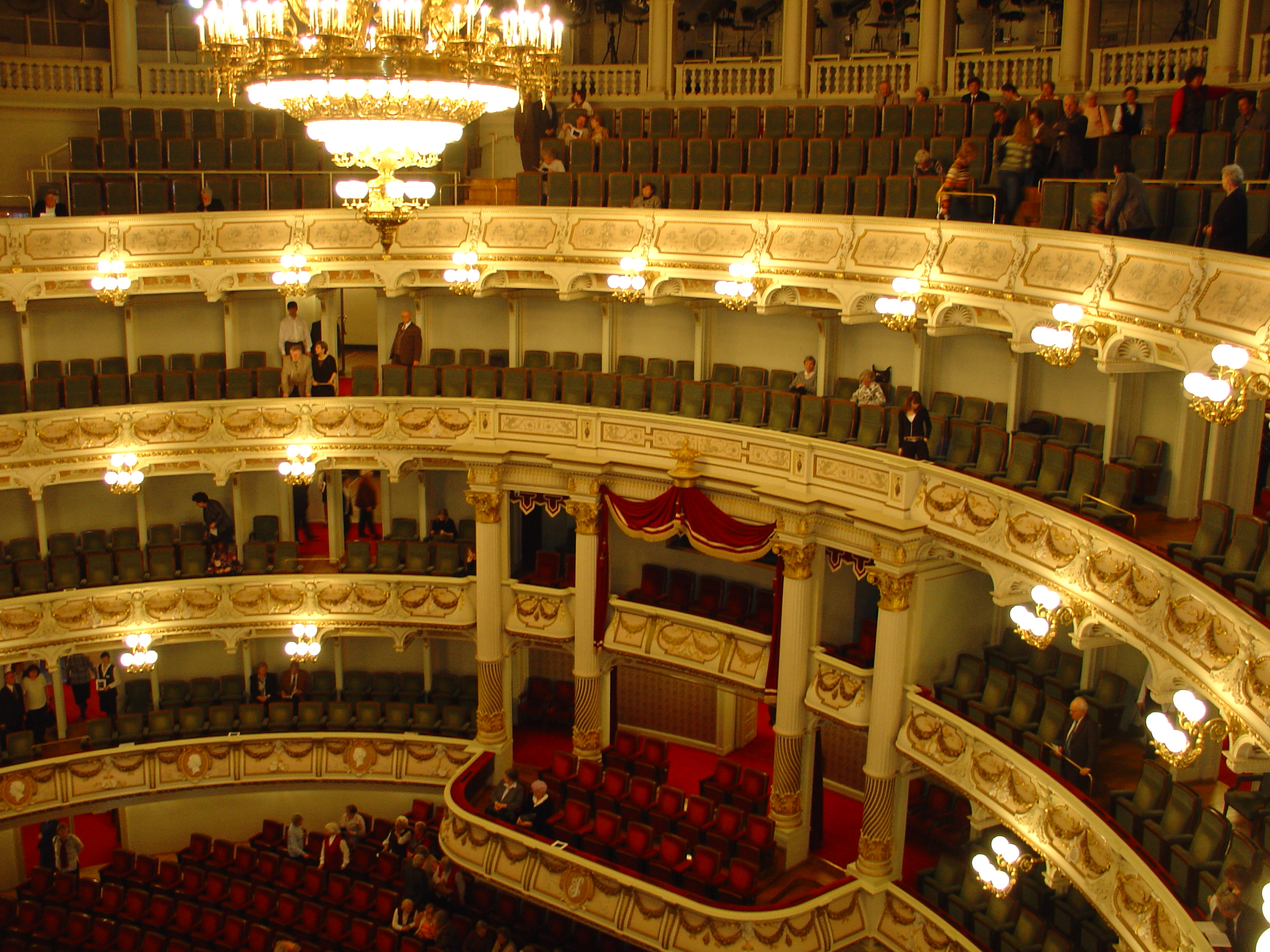 Build A House File Semperoper Dresden Jpg Wikimedia Commons