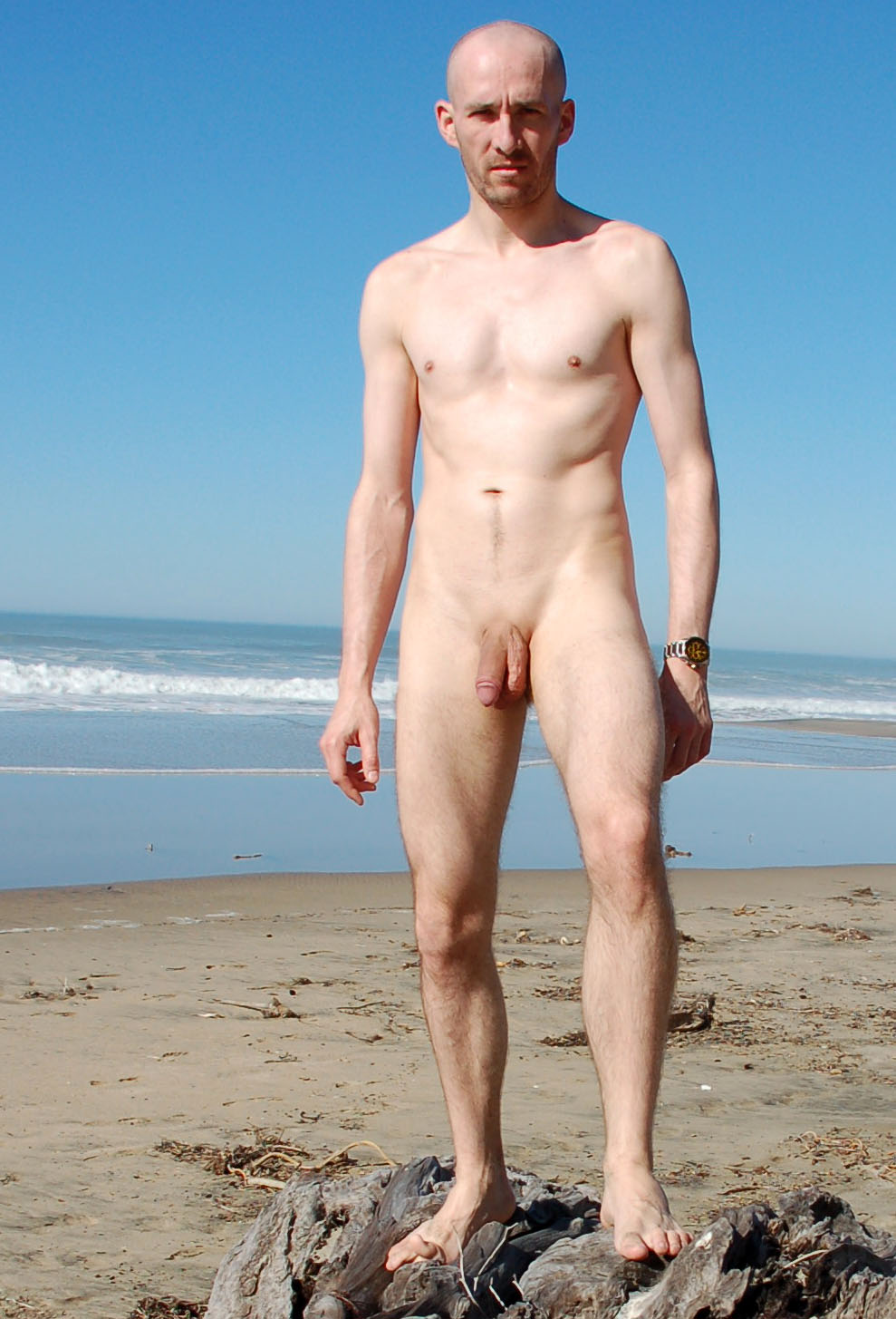 jude law?beach nude