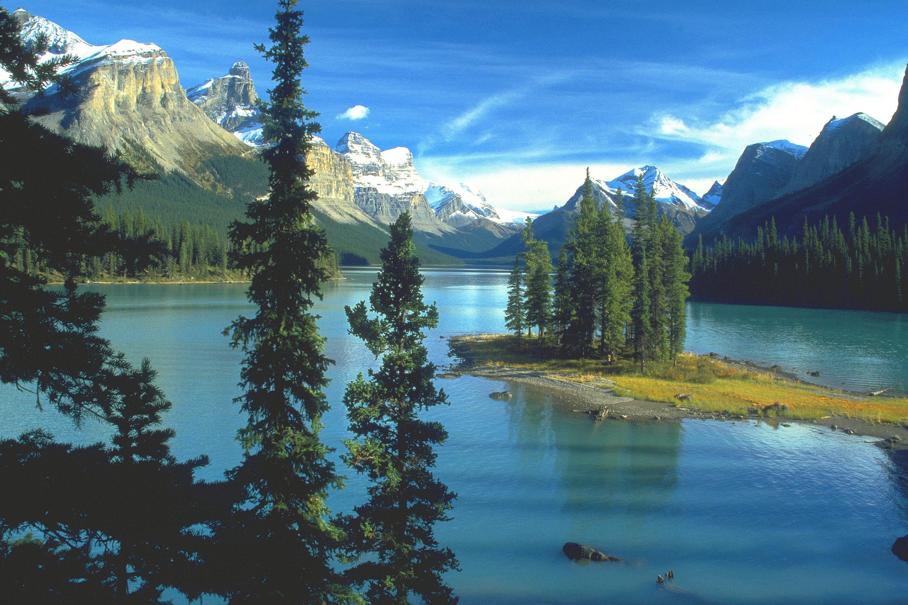 File Spirit Island Maligne Lake Jasper Np Jpg