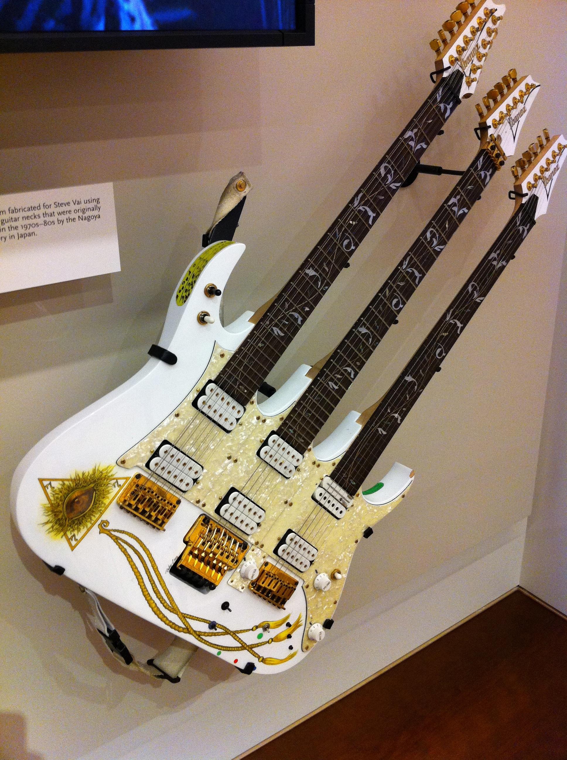file steve vai 39 s ibanez triple neck guitar mim wikimedia commons. Black Bedroom Furniture Sets. Home Design Ideas