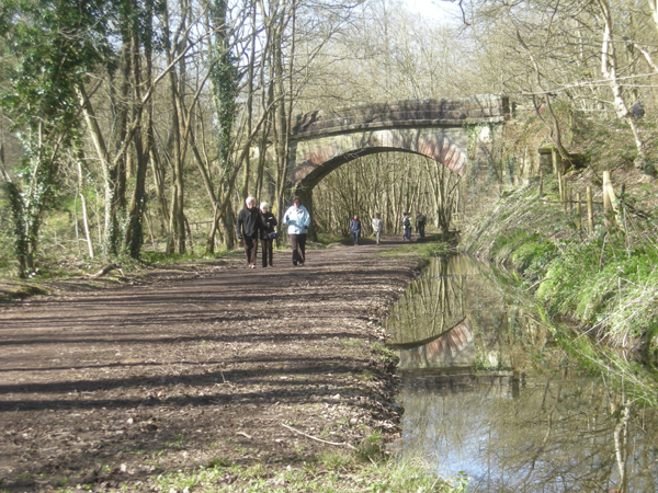 Sunday stroll along the old railway line - geograph.org.uk - 1226665