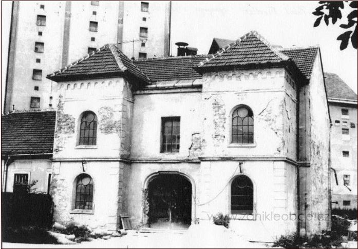 Synagoga Moravské Budějovice.png