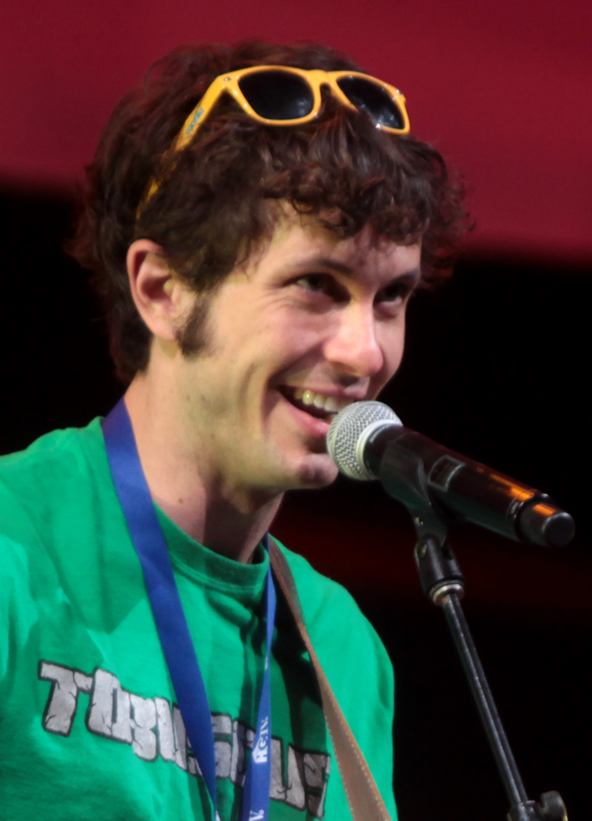 The 33-year old son of father (?) and mother(?) Toby Turner in 2018 photo. Toby Turner earned a  million dollar salary - leaving the net worth at 2 million in 2018