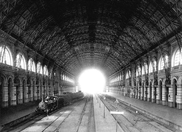 Train station Berlin Lehrter Bahnhof Autor unbekannt, Public domain, via Wikimedia Commons