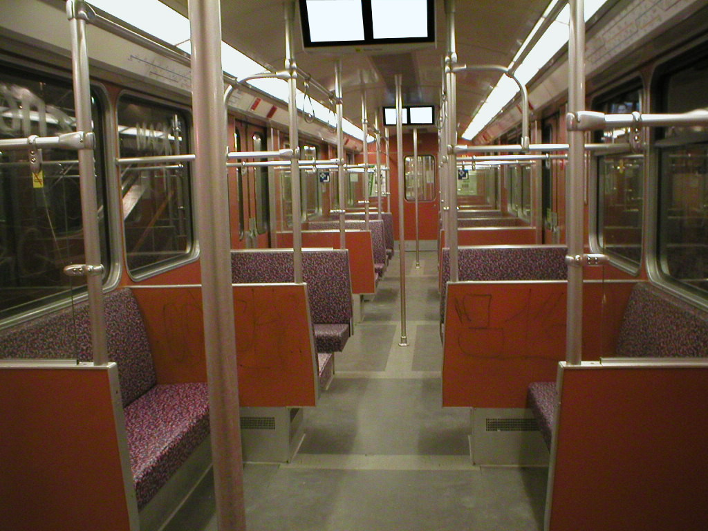 file u bahn berlin type f87 interior jpg wikimedia commons. Black Bedroom Furniture Sets. Home Design Ideas