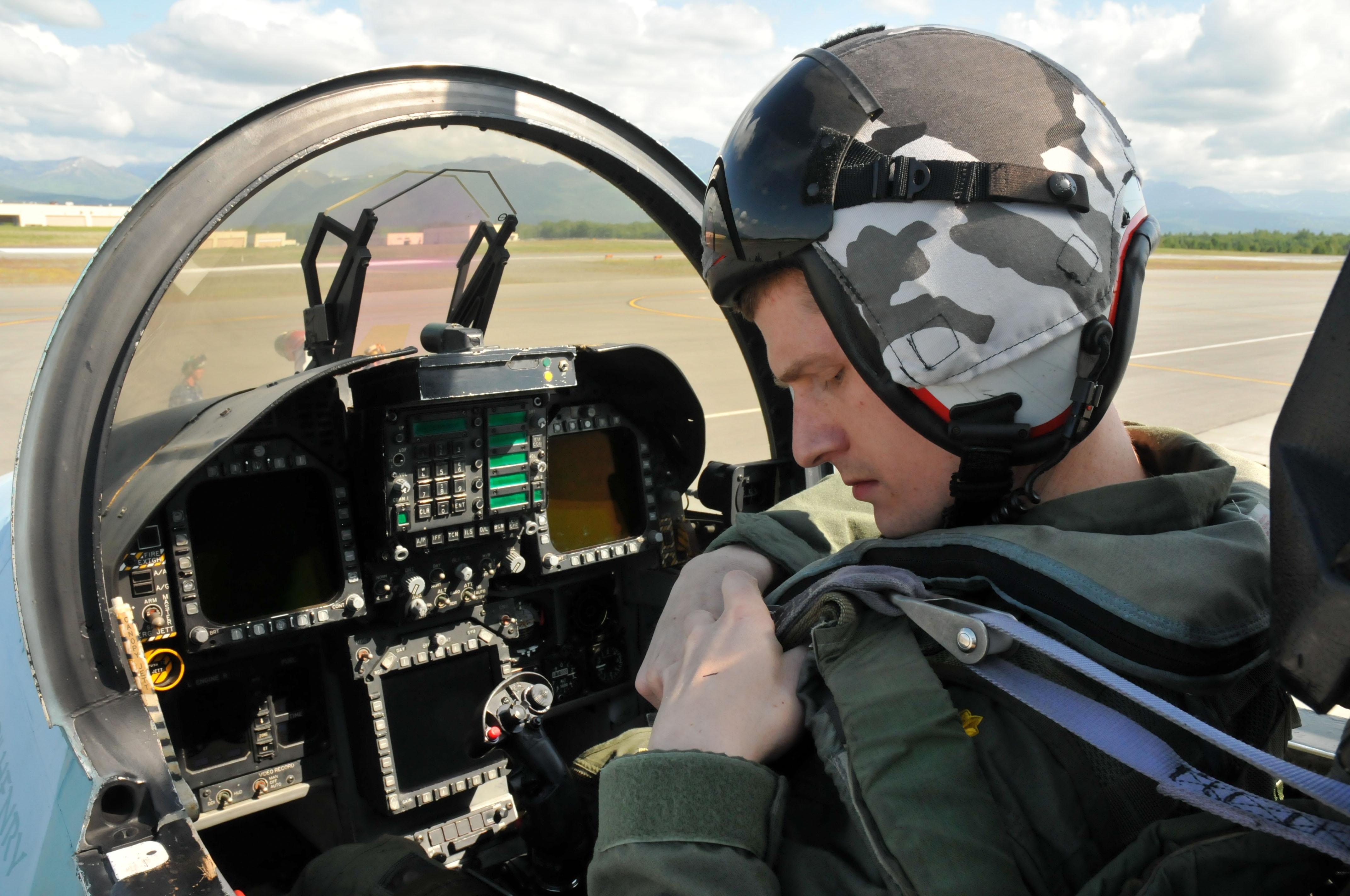 F 18 Cockpit Layout 18 Cockpit Layo...