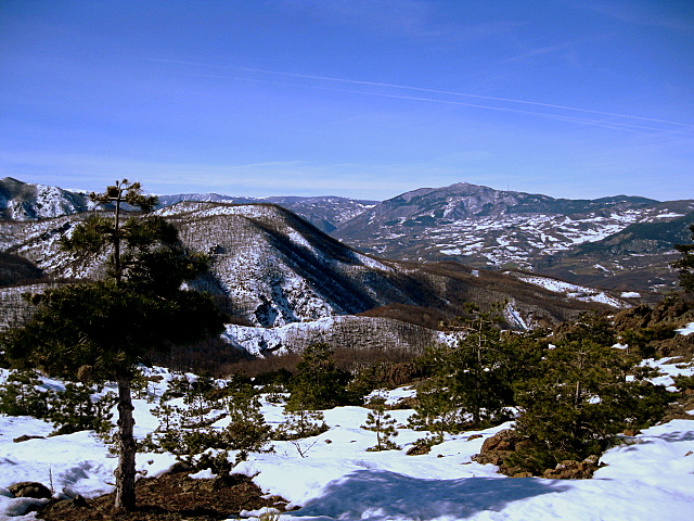 File:Valtrebbia e Monte Penice - panoramio.jpg