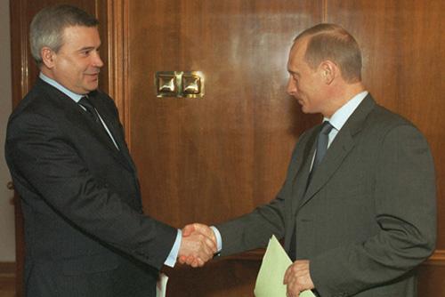 File:Vladimir Putin 11 April 2002-2.jpg