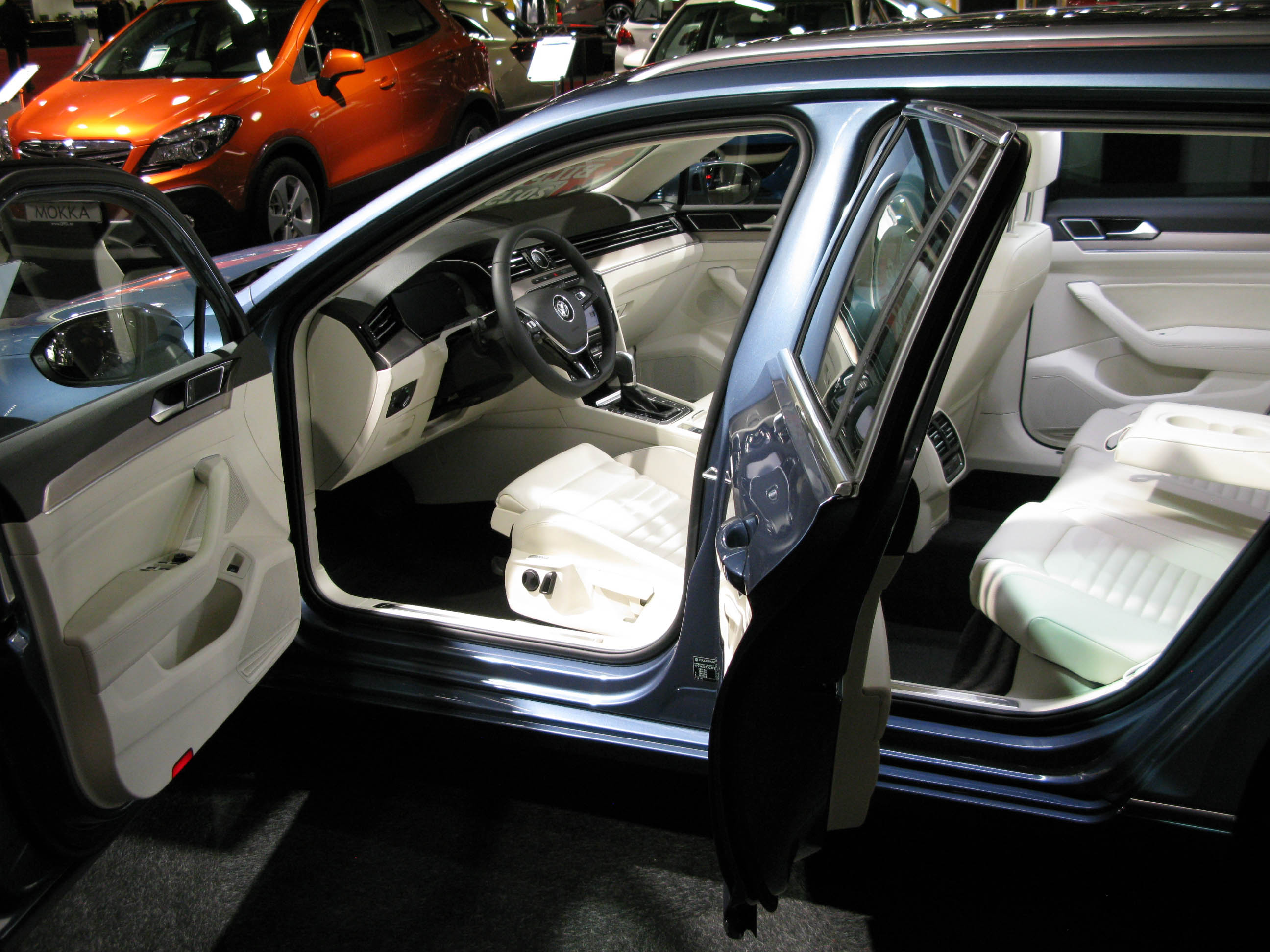 File Volkswagen Passat Variant B8 Interior Jpg Wikimedia