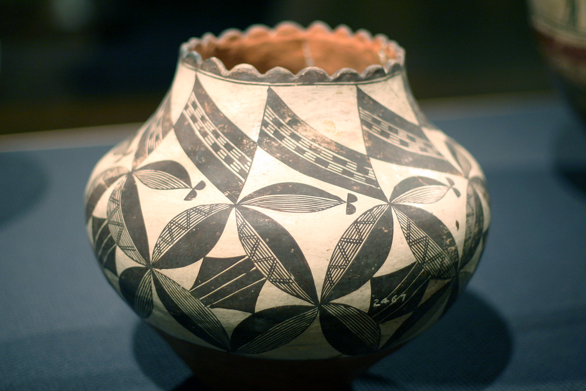 pueblo water jar