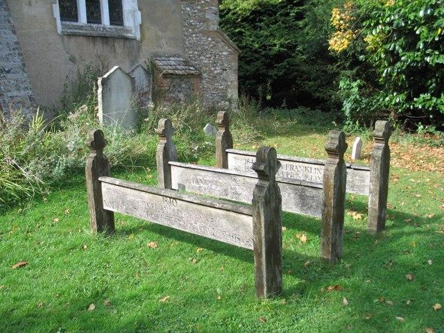 Filewooden Grave Markers Lee Buckinghamshire Geographorguk