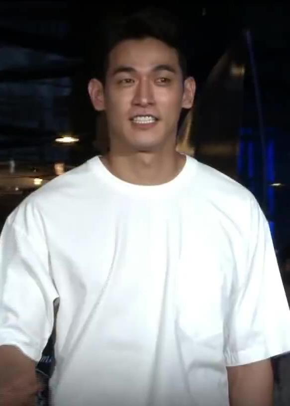 Korean singer baek jiyoung hidden cam - 2 part 4