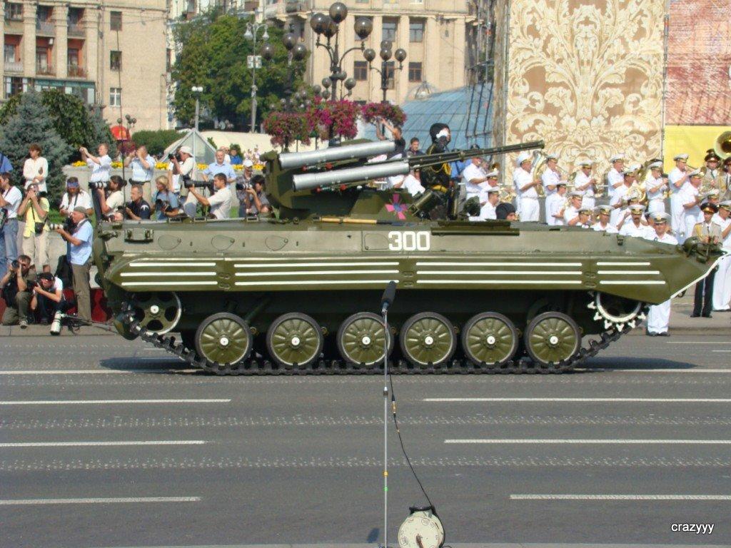 Битва за Крым: российский БМП-3 сразился с украинским БМП-1У «Шквал»
