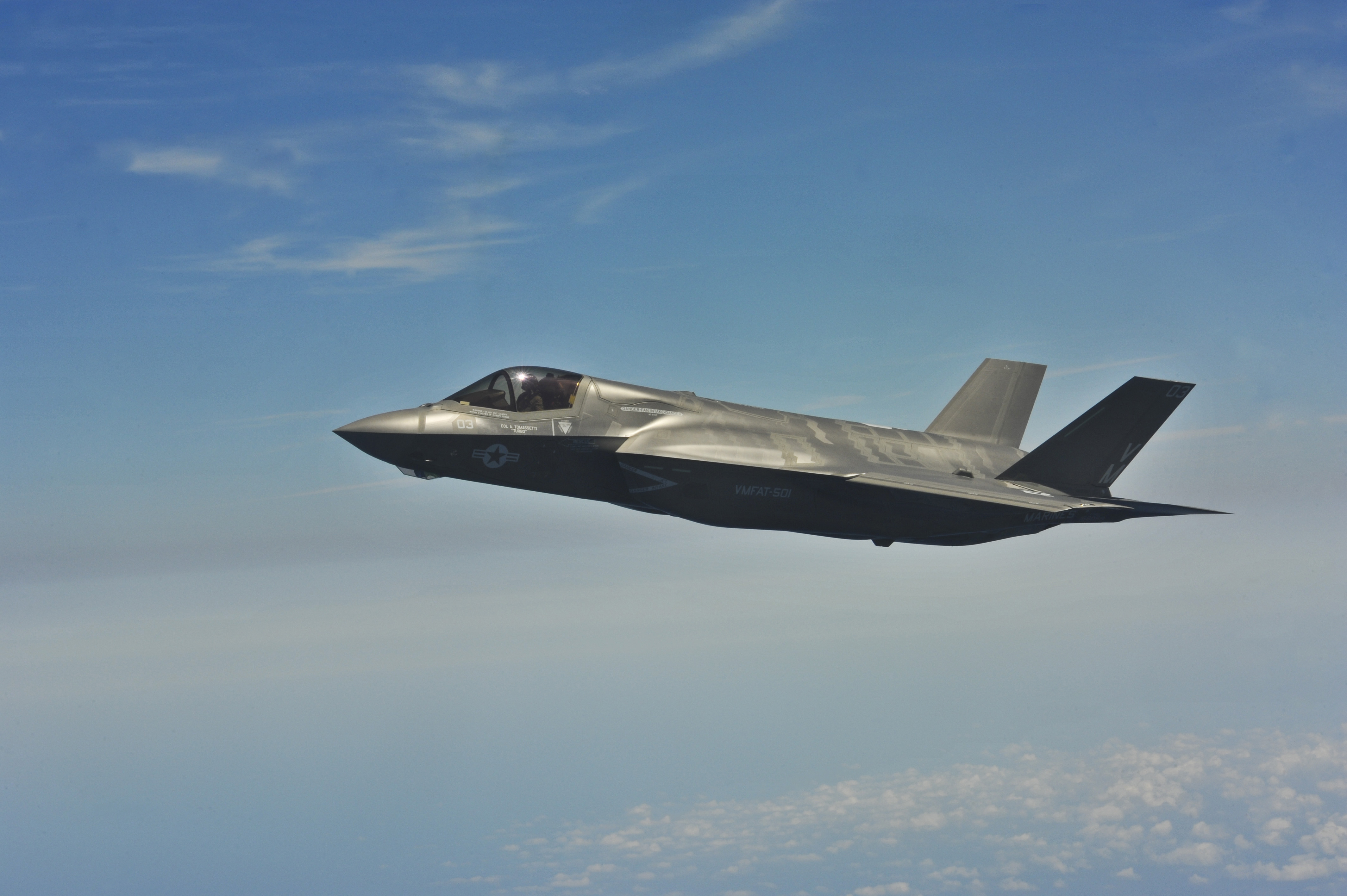file a u s marine corps f 35 lightning ii aircraft assigned to naval air station pensacola. Black Bedroom Furniture Sets. Home Design Ideas
