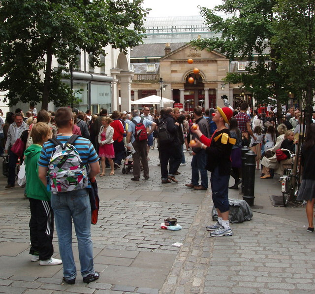 File:A juggler entertains the crowds in Covent Garden - geograph.org.uk - 890844.jpg