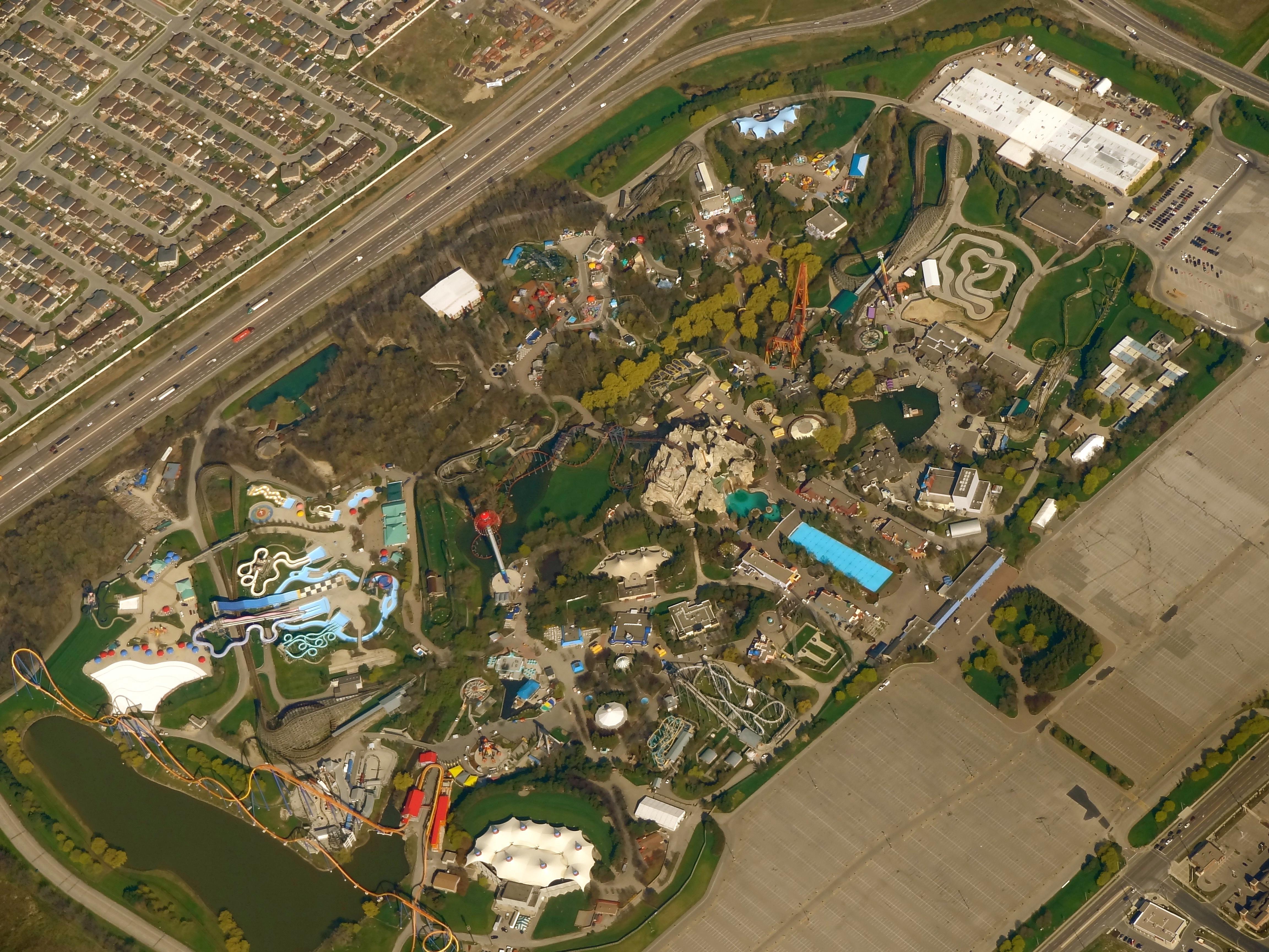 Description aerial canadas wonderland may 2011