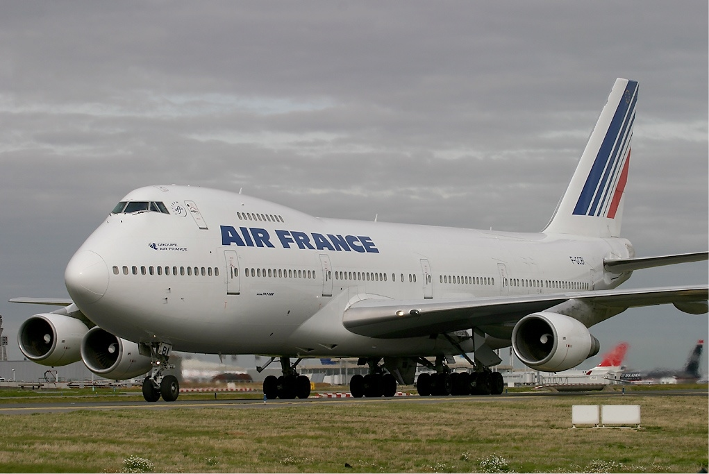 File air france boeing 747 200 wikipedia for Air france assistance chaise roulante
